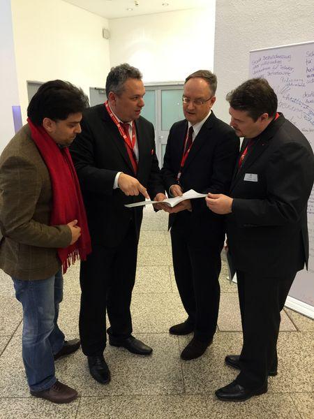 v.l. Zishan Shaid, Landtagskandidat Daniel Steinrode, Kultusminister Andreas Stoch, Andreas Röhm
